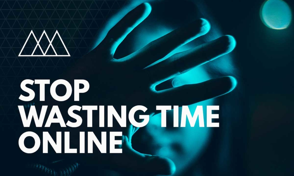 Stop Wasting Time Online with these 5 tools article by Help Me Net. Woman holding up 5 fingers